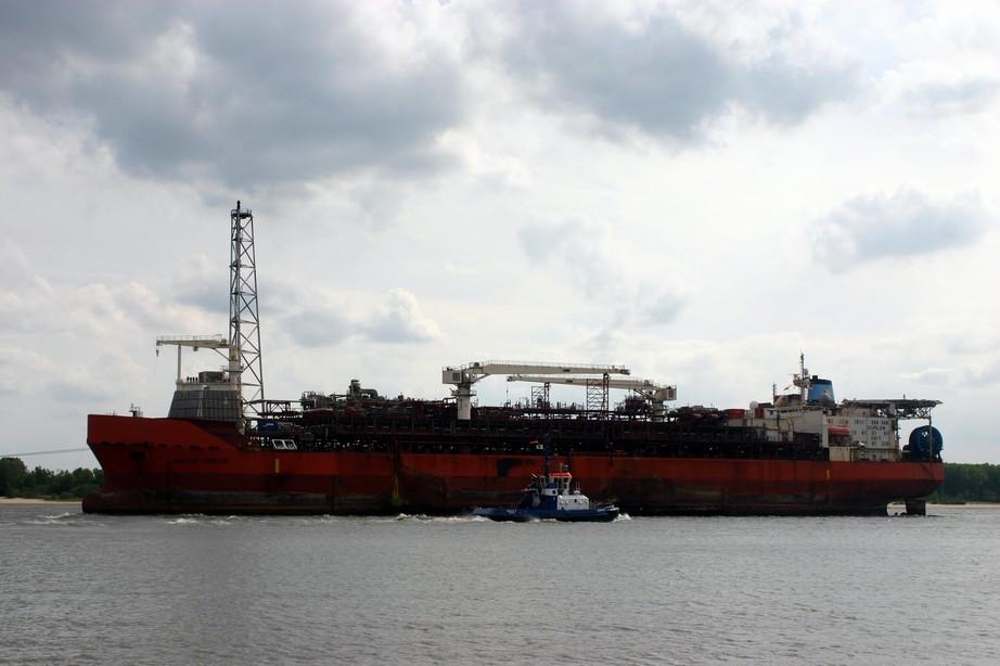 """""""Faiplay I"""" und """"Maersk Curlew"""" am 18.06.09 _1"""
