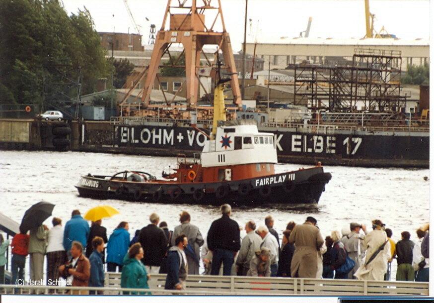Fairplay III (3) (1963) 001 im August 1989 vor den Landungsbrücken
