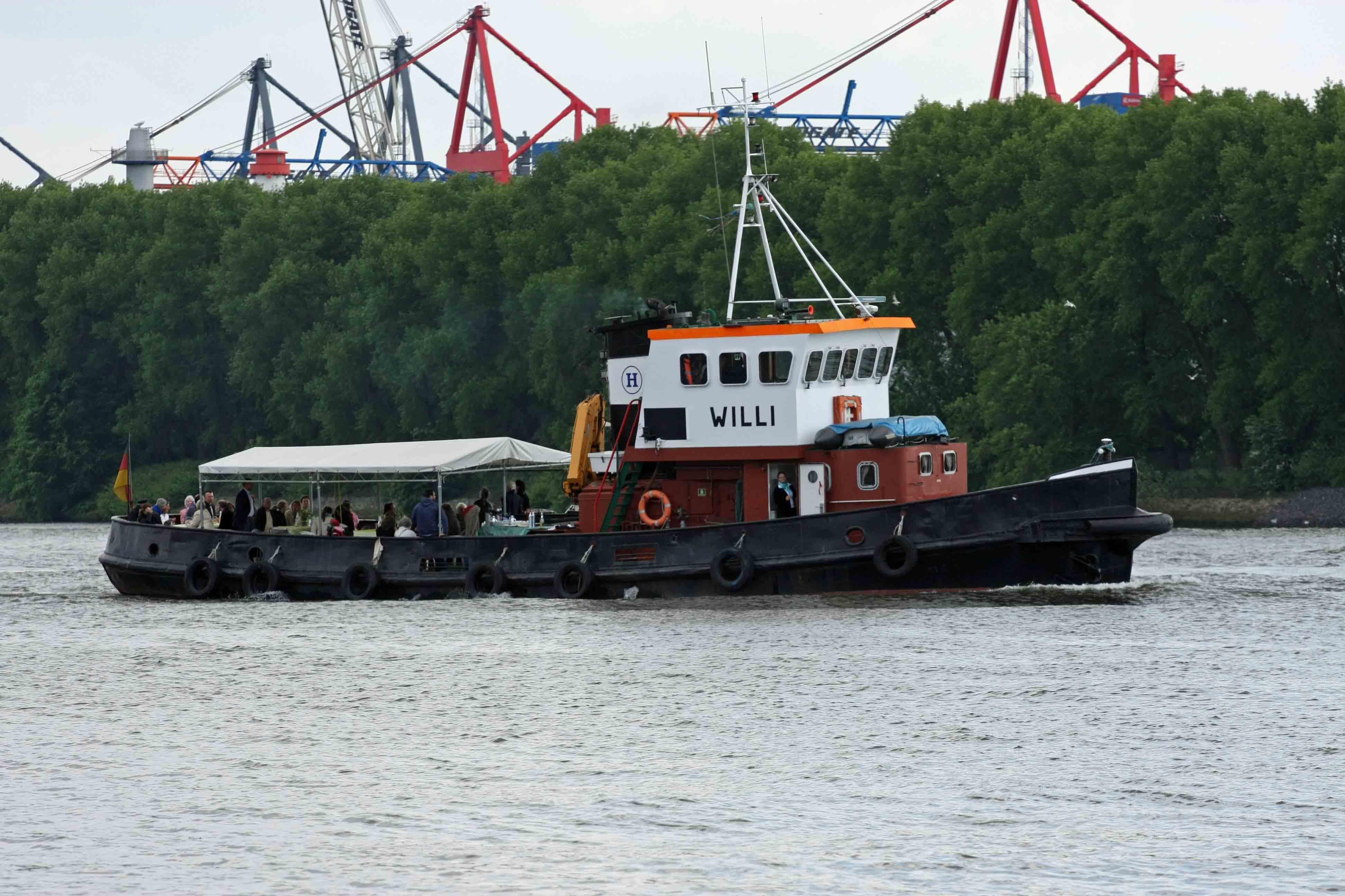 """""""Willi"""" auf der Elbe in Hamburg"""
