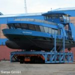 WALTERSHOF an dem Transport in die Werfthalle _2