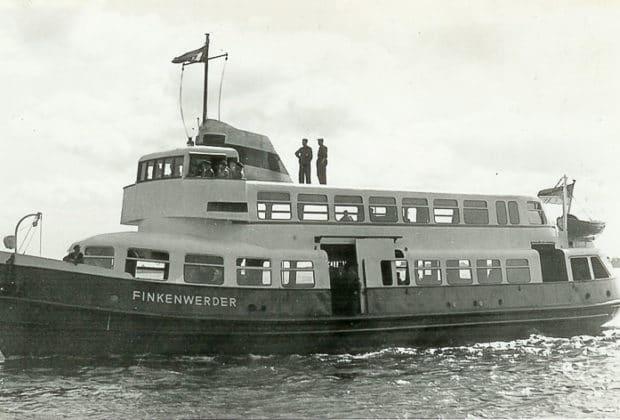 HADAG-Hafenfähre FINKENWERDER auf einer ihrer ersten Testfahrten in den 1950er Jahren