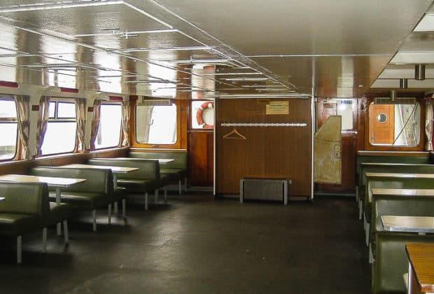 So sah der Innenraum in den HADAG-Typschiffen ursprünglich aus (ALTENWERDER)
