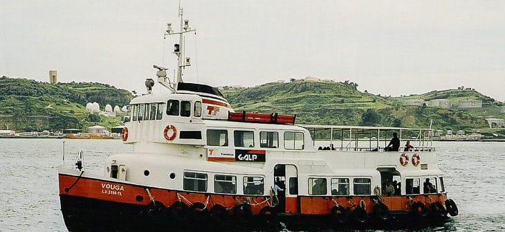 Die ehemalige HADAG-Hafenfähre OTHMARSCHEN 1998 als VOUGA in Lissabon