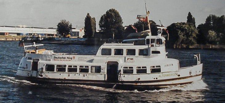 Die ehemalige HADAG-Hafenfähre STEINKIRCHEN 1997 als ALTENWERDER