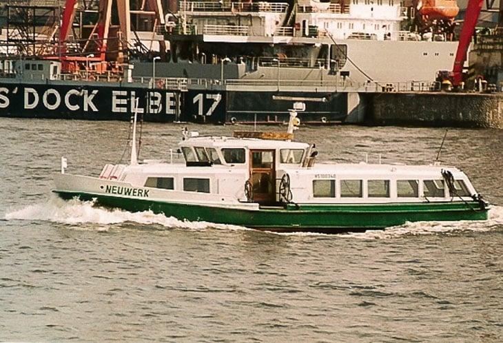 HADAG-Hafenfähre NEUWERK im Hamburger Hafen (Copyright: Harald Schmidt)