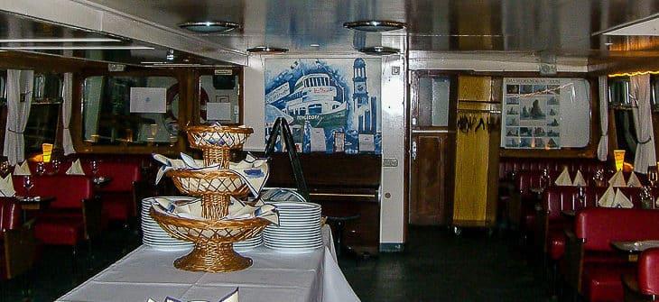Restaurant in der ehemaligen HADAG-Fähre BERGEDORF