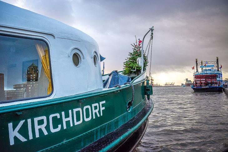 Der kleine Anker mit Handkran am HADAG-Typschiff KIRCHDORF