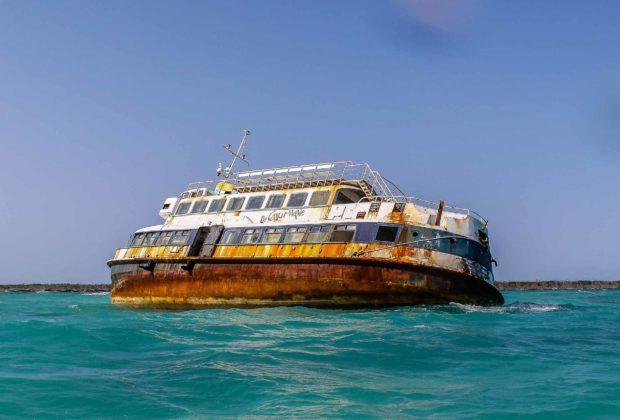 Ehemalige HADAG-Hafenfähre JUNGFERNSTIEG als Wrack vor der Küste von Mexiko
