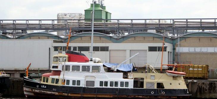 Die ehemalige HADAG-Hafenfähre SCHULAU als LOLA in Cuxhaven