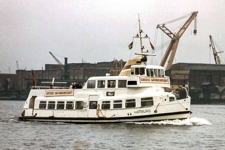 Die Typ II-Hafenfähre HARBURG (Copyright: Bernd Steinmetz)