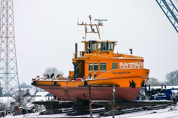 HADAG-Hafenfähre FALKENSTEIN beim Umbau im Januar 2010(Copyright: Michael Schleef)