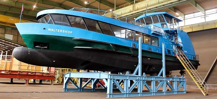 HADAG-Hafenfähre WALTERSHOF in der Werfthalle der Pella Sietas GmbH am 08.11.2014 (Copyright: Michael Schleef)